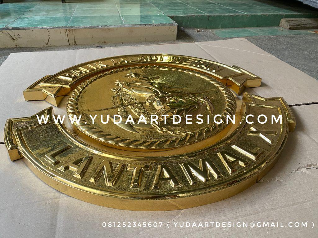 Pengrajin Logo Tembaga Kuningan Pangkalan Utama TNI