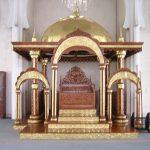 Mihrab Masjid Tembaga dan Kuningan