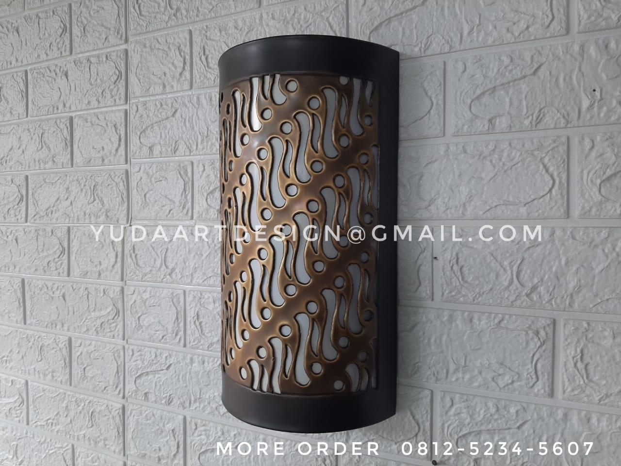 Lampu dinding tembaga dan kuningan